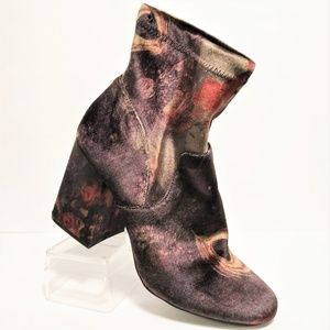 A New Day 9.5 Velveteen Bootie with Block Heels